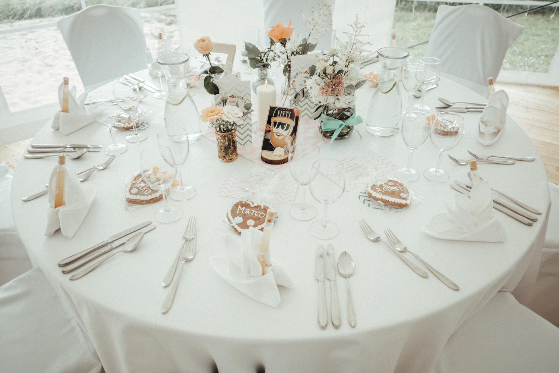 Zelthochzeit-Inspiration-Hochzeitsreportage-natürlich-Hessenhof-Coburg-Oberfranken-Aachen-Hochzeitsfotograf-Kevin Biberbach-KEVIN Fotografie-Junebug-Hochzeitswahn-111.jpg