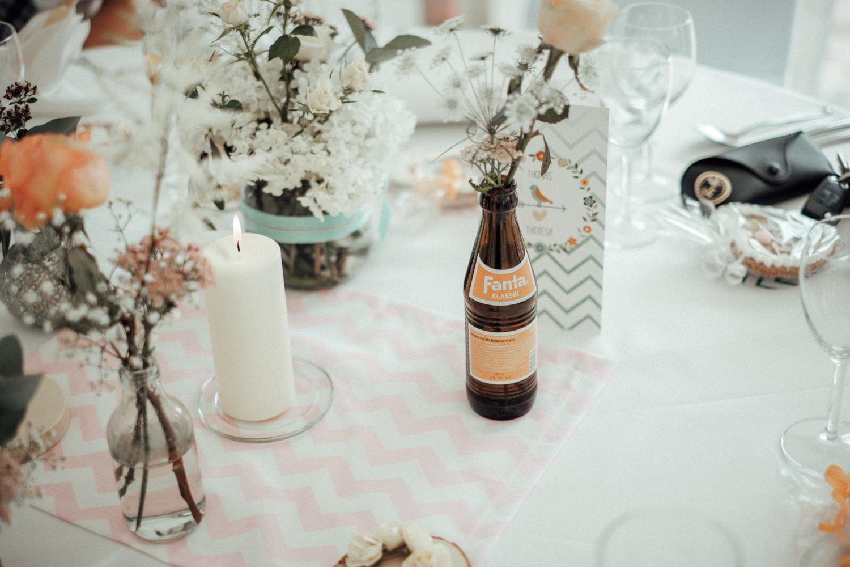 Zelthochzeit-Inspiration-Hochzeitsreportage-natürlich-Hessenhof-Coburg-Oberfranken-Aachen-Hochzeitsfotograf-Kevin Biberbach-KEVIN Fotografie-Junebug-Hochzeitswahn-113.jpg