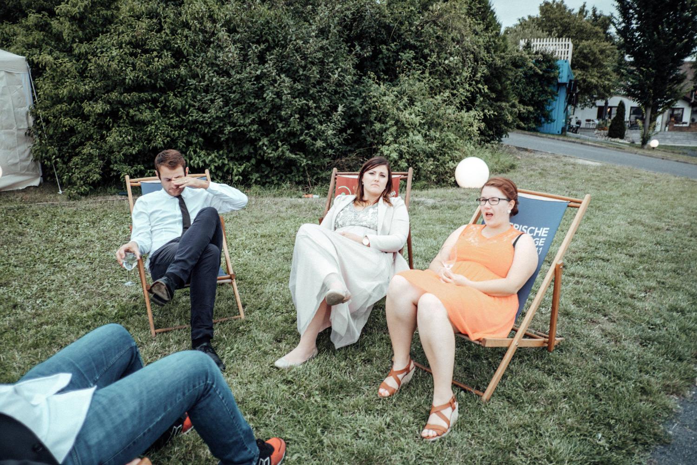 Zelthochzeit-Inspiration-Hochzeitsreportage-natürlich-Hessenhof-Coburg-Oberfranken-Aachen-Hochzeitsfotograf-Kevin Biberbach-KEVIN Fotografie-Junebug-Hochzeitswahn-123.jpg