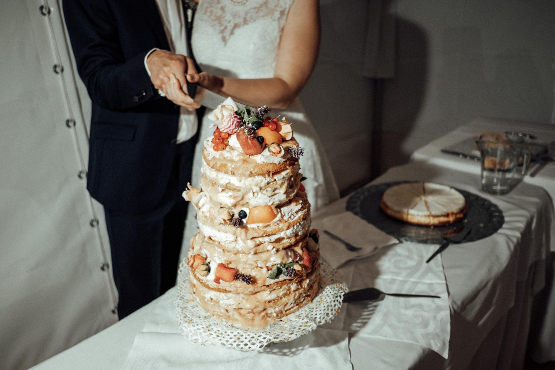 Zelthochzeit-Inspiration-Hochzeitsreportage-natürlich-Hessenhof-Coburg-Oberfranken-Aachen-Hochzeitsfotograf-Kevin Biberbach-KEVIN Fotografie-Junebug-Hochzeitswahn-134.jpg