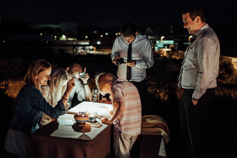 Zelthochzeit-Inspiration-Hochzeitsreportage-natürlich-Hessenhof-Coburg-Oberfranken-Aachen-Hochzeitsfotograf-Kevin Biberbach-KEVIN Fotografie-Junebug-Hochzeitswahn-140.jpg