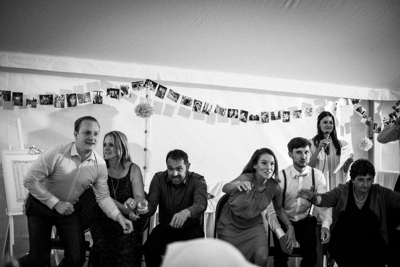 Zelthochzeit-Inspiration-Hochzeitsreportage-natürlich-Hessenhof-Coburg-Oberfranken-Aachen-Hochzeitsfotograf-Kevin Biberbach-KEVIN Fotografie-Junebug-Hochzeitswahn-143.jpg
