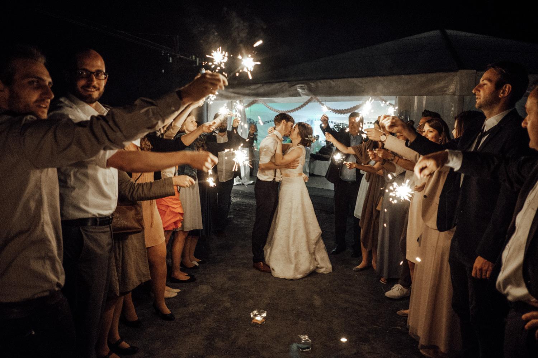 Zelthochzeit-Inspiration-Hochzeitsreportage-natürlich-Hessenhof-Coburg-Oberfranken-Aachen-Hochzeitsfotograf-Kevin Biberbach-KEVIN Fotografie-Junebug-Hochzeitswahn-160.jpg