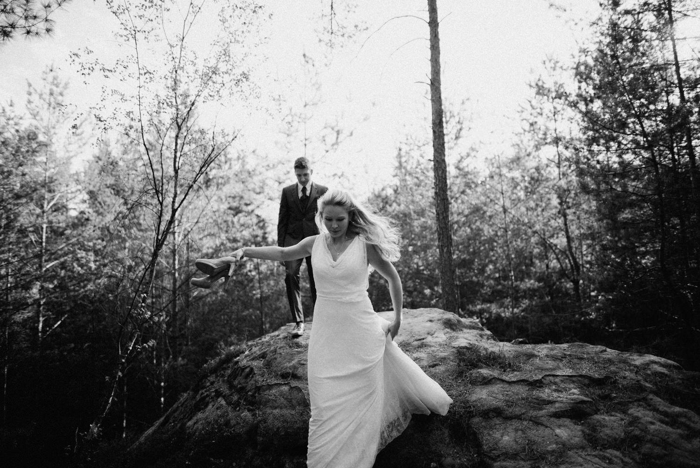 Elopement-After Wedding Shooting-Hochzeitsreportage-Böhmische Schweiz-Sächsische Schweiz-Inspiration-Hochzeitsfotograf-Aachen-Kevin Biberbach-KEVIN Fotografie-Fujifilm-Hochzeitswahn-Hochzeit-41.jpg
