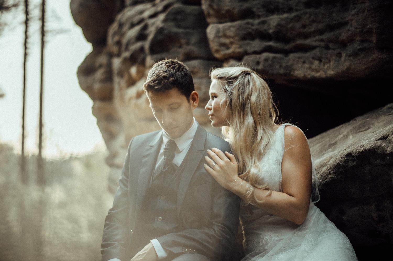 Elopement-After Wedding Shooting-Hochzeitsreportage-Böhmische Schweiz-Sächsische Schweiz-Inspiration-Hochzeitsfotograf-Aachen-Kevin Biberbach-KEVIN Fotografie-Fujifilm-Hochzeitswahn-Hochzeit-49.jpg