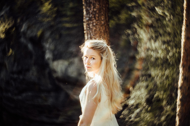 Elopement-After Wedding Shooting-Hochzeitsreportage-Böhmische Schweiz-Sächsische Schweiz-Inspiration-Hochzeitsfotograf-Aachen-Kevin Biberbach-KEVIN Fotografie-Fujifilm-Hochzeitswahn-Hochzeit-56.jpg