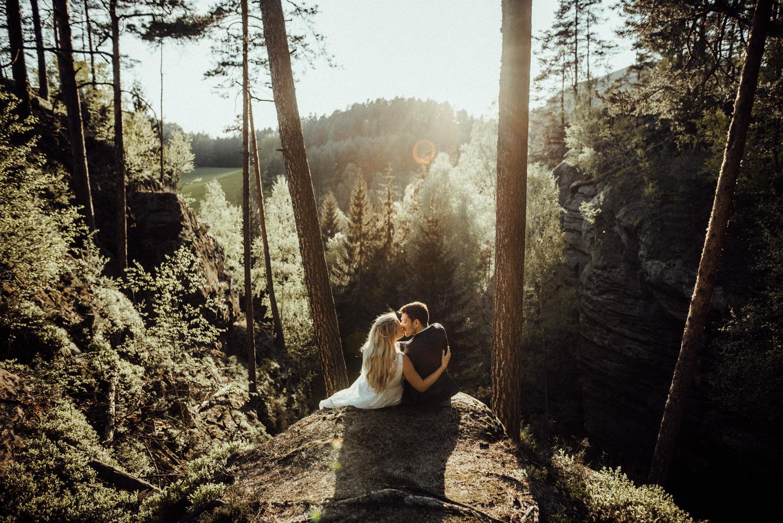 Elopement-After Wedding Shooting-Hochzeitsreportage-Böhmische Schweiz-Sächsische Schweiz-Inspiration-Hochzeitsfotograf-Aachen-Kevin Biberbach-KEVIN Fotografie-Fujifilm-Hochzeitswahn-Hochzeit-57.jpg