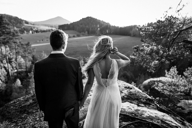 Elopement-After Wedding Shooting-Hochzeitsreportage-Böhmische Schweiz-Sächsische Schweiz-Inspiration-Hochzeitsfotograf-Aachen-Kevin Biberbach-KEVIN Fotografie-Fujifilm-Hochzeitswahn-Hochzeit-61.jpg