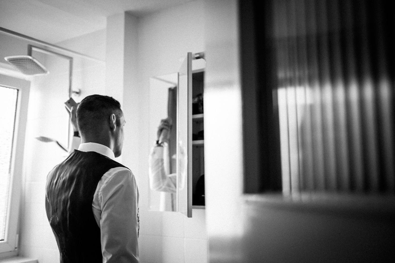 Hochzeitsfotograf-Hochzeitsreportage-Neustadt bei Coburg-Oberfranken-Bayern-Staffelstein-Banzer Wald-Kevin Biberbach-KEVIN Fotografie-Fujifilm-Schlosskirche Ehrenburg-Coburg-009.jpg