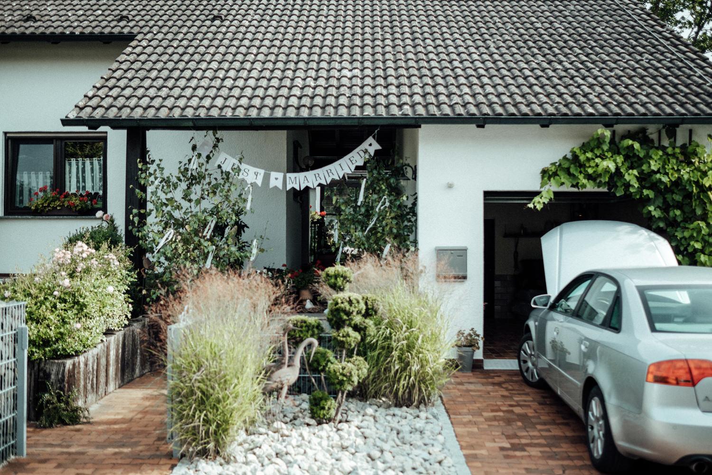 Hochzeitsfotograf-Hochzeitsreportage-Neustadt bei Coburg-Oberfranken-Bayern-Staffelstein-Banzer Wald-Kevin Biberbach-KEVIN Fotografie-Fujifilm-Schlosskirche Ehrenburg-Coburg-012.jpg