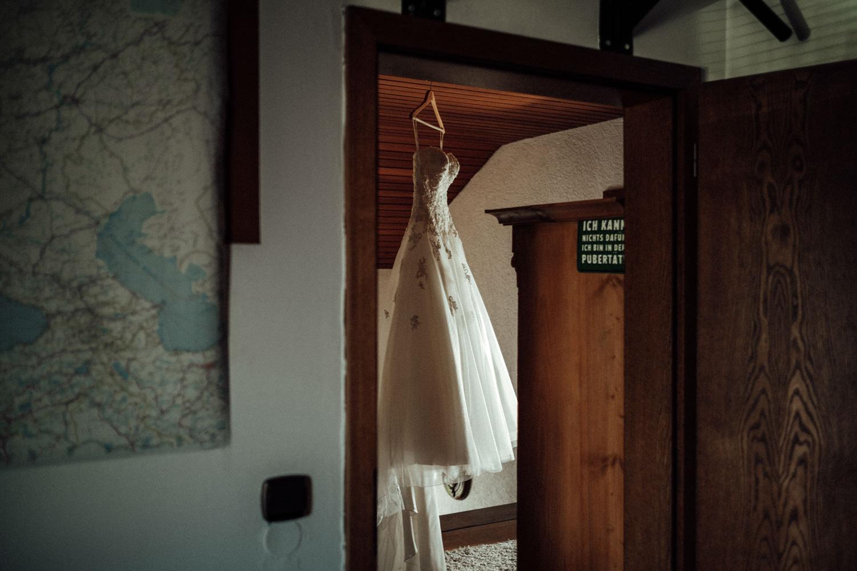 Hochzeitsfotograf-Hochzeitsreportage-Neustadt bei Coburg-Oberfranken-Bayern-Staffelstein-Banzer Wald-Kevin Biberbach-KEVIN Fotografie-Fujifilm-Schlosskirche Ehrenburg-Coburg-017.jpg