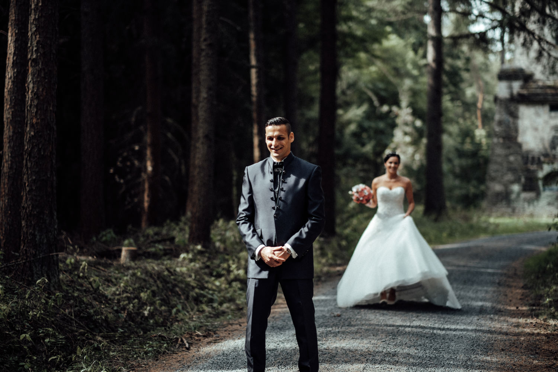 Hochzeitsfotograf-Hochzeitsreportage-Neustadt bei Coburg-Oberfranken-Bayern-Staffelstein-Banzer Wald-Kevin Biberbach-KEVIN Fotografie-Fujifilm-Schlosskirche Ehrenburg-Coburg-031.jpg