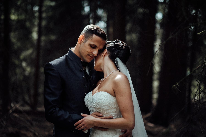 Hochzeitsfotograf-Hochzeitsreportage-Neustadt bei Coburg-Oberfranken-Bayern-Staffelstein-Banzer Wald-Kevin Biberbach-KEVIN Fotografie-Fujifilm-Schlosskirche Ehrenburg-Coburg-038.jpg
