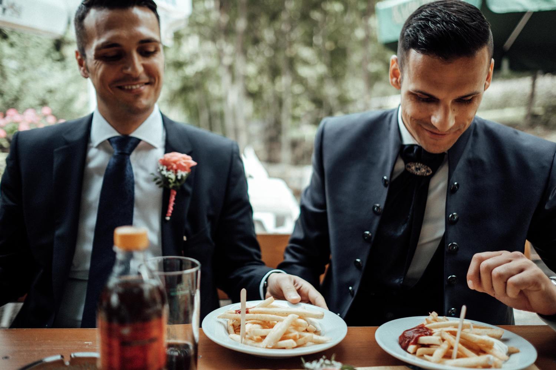 Hochzeitsfotograf-Hochzeitsreportage-Neustadt bei Coburg-Oberfranken-Bayern-Staffelstein-Banzer Wald-Kevin Biberbach-KEVIN Fotografie-Fujifilm-Schlosskirche Ehrenburg-Coburg-054.jpg