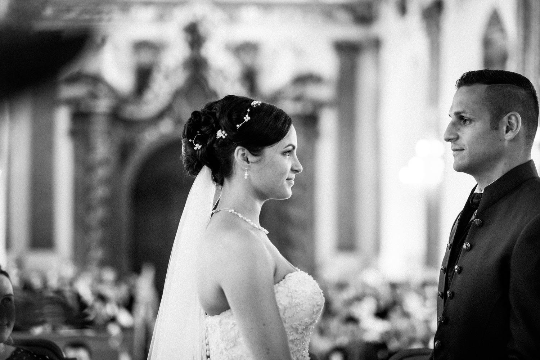 Hochzeitsfotograf-Hochzeitsreportage-Neustadt bei Coburg-Oberfranken-Bayern-Staffelstein-Banzer Wald-Kevin Biberbach-KEVIN Fotografie-Fujifilm-Schlosskirche Ehrenburg-Coburg-067.jpg