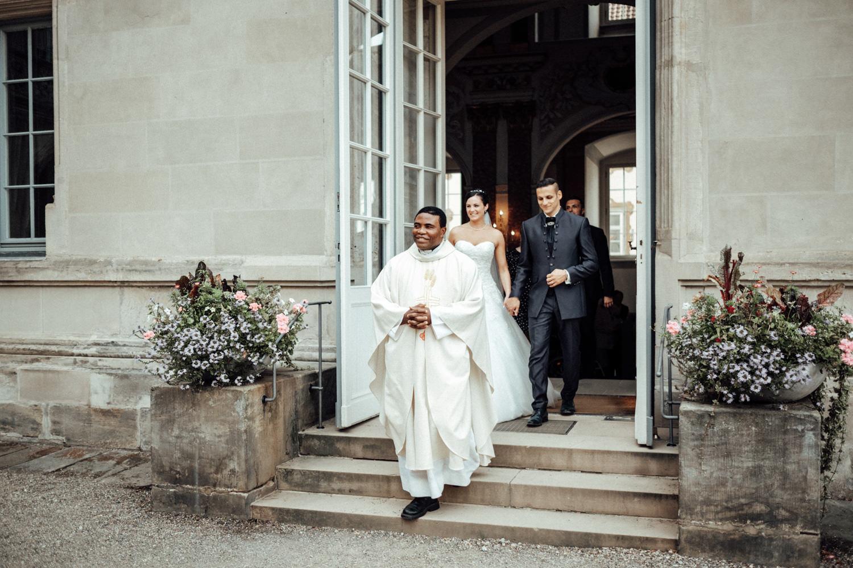 Hochzeitsfotograf-Hochzeitsreportage-Neustadt bei Coburg-Oberfranken-Bayern-Staffelstein-Banzer Wald-Kevin Biberbach-KEVIN Fotografie-Fujifilm-Schlosskirche Ehrenburg-Coburg-083.jpg