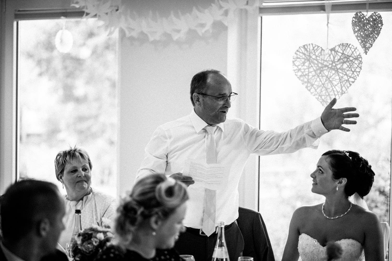 Hochzeitsfotograf-Hochzeitsreportage-Neustadt bei Coburg-Oberfranken-Bayern-Staffelstein-Banzer Wald-Kevin Biberbach-KEVIN Fotografie-Fujifilm-Schlosskirche Ehrenburg-Coburg-106.jpg