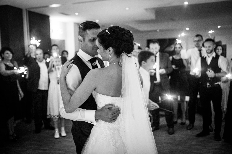 Hochzeitsfotograf-Hochzeitsreportage-Neustadt bei Coburg-Oberfranken-Bayern-Staffelstein-Banzer Wald-Kevin Biberbach-KEVIN Fotografie-Fujifilm-Schlosskirche Ehrenburg-Coburg-130.jpg