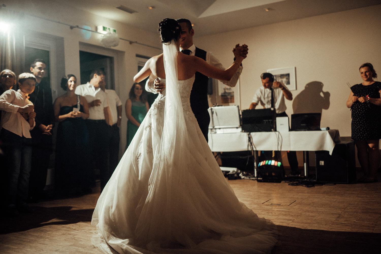 Hochzeitsfotograf-Hochzeitsreportage-Neustadt bei Coburg-Oberfranken-Bayern-Staffelstein-Banzer Wald-Kevin Biberbach-KEVIN Fotografie-Fujifilm-Schlosskirche Ehrenburg-Coburg-132.jpg