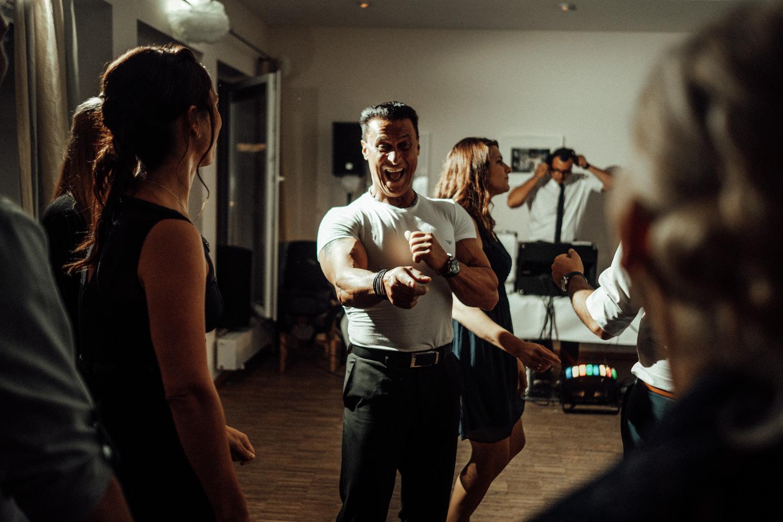 Hochzeitsfotograf-Hochzeitsreportage-Neustadt bei Coburg-Oberfranken-Bayern-Staffelstein-Banzer Wald-Kevin Biberbach-KEVIN Fotografie-Fujifilm-Schlosskirche Ehrenburg-Coburg-145.jpg