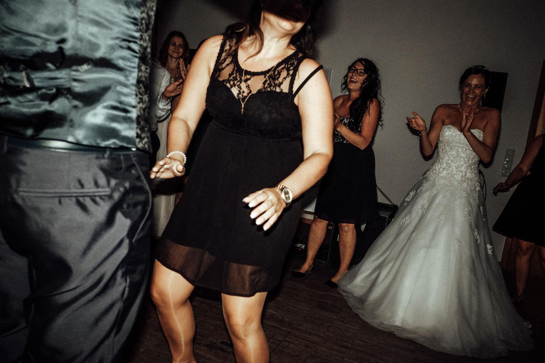 Hochzeitsfotograf-Hochzeitsreportage-Neustadt bei Coburg-Oberfranken-Bayern-Staffelstein-Banzer Wald-Kevin Biberbach-KEVIN Fotografie-Fujifilm-Schlosskirche Ehrenburg-Coburg-159.jpg