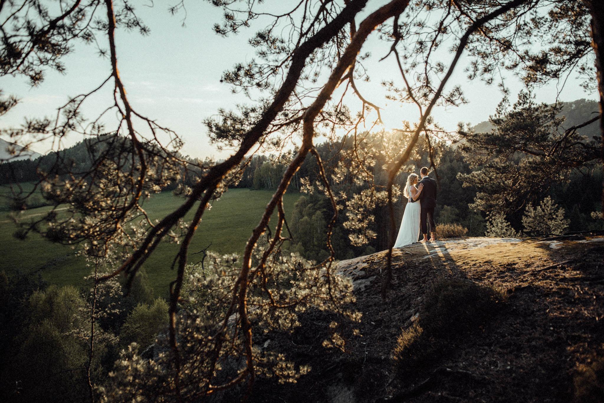 Hochzeitsfotograf-Aachen-Kevin-Biberbach-Sächsische-Böhmische-Schweiz-After-Wedding-Shooting-Paarshooting-Natur-NRW-Sonnenuntergang-Fotografie-Beste.jpg