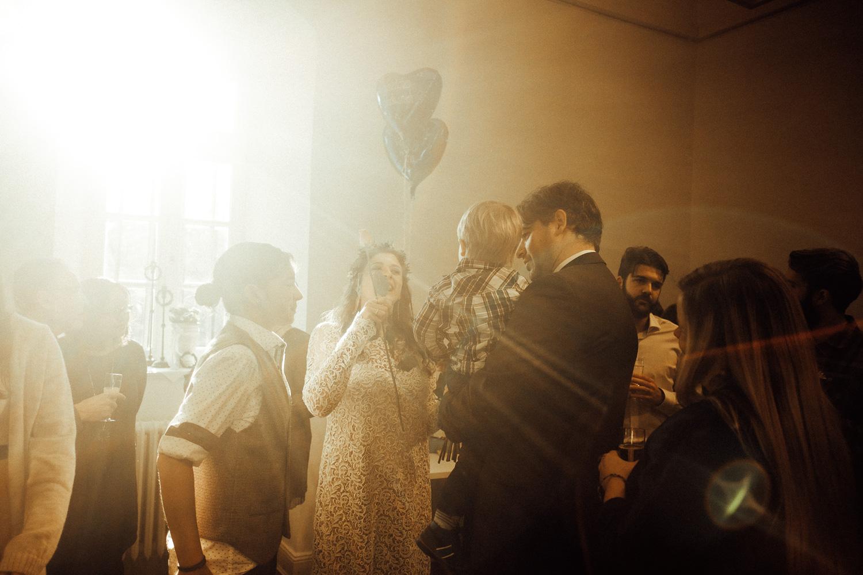 Hochzeitsfotos-Aachen-Hochzeitsfotograf-Aachen-Köln-NRW-Bonn-Top-Hochzeitsfotografen-Reportage-Gleichgeschlechtlich-Winterhochzeit-Kevin Biberbach-KEVIN Fotografie-083.jpg