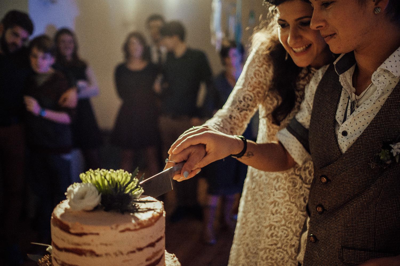 Hochzeitsfotos-Aachen-Hochzeitsfotograf-Aachen-Köln-NRW-Bonn-Top-Hochzeitsfotografen-Reportage-Gleichgeschlechtlich-Winterhochzeit-Kevin Biberbach-KEVIN Fotografie-174.jpg