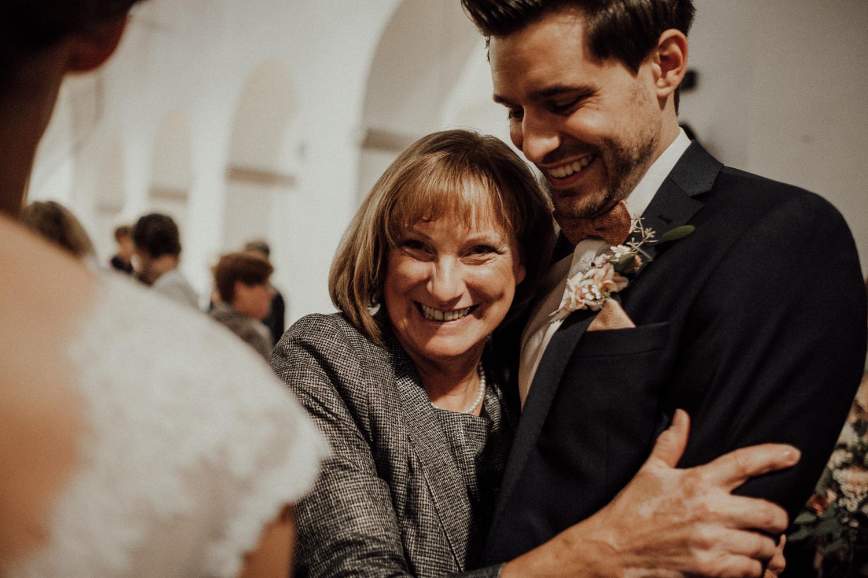 Hochzeitsfotos NRW-Hochzeitsfotograf NRW-Hochzeitsreportage-Lousberg Aachen-Sommerhochzeit-Kevin Biberbach-KEVIN - Fotografie-072.jpg