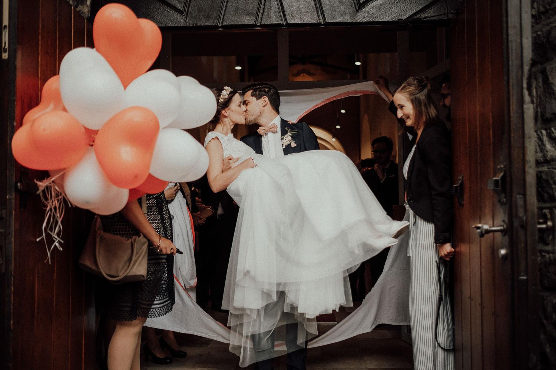 Hochzeitsfotos NRW-Hochzeitsfotograf NRW-Hochzeitsreportage-Lousberg Aachen-Sommerhochzeit-Kevin Biberbach-KEVIN - Fotografie-078.jpg