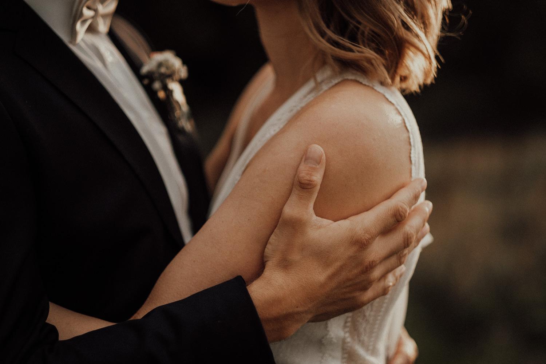 Hochzeitsfotos-Hochzeitslocation-Würzburg-Hochzeitsfotograf-Aachen-Köln-NRW-Bonn-Top-Hochzeitsfotografen-Reportage-Storytelling-Preise-Kevin Biberbach-KEVIN Fotografie-19.jpg