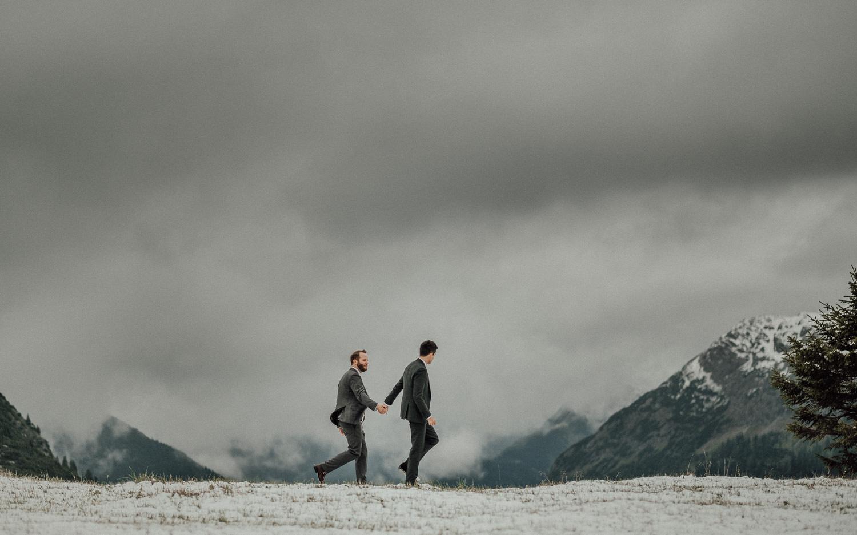 Hochzeitsfotos-Hochzeitslocation-Würzburg-Hochzeitsfotograf-Aachen-Köln-NRW-Bonn-Top-Hochzeitsfotografen-Reportage-Storytelling-Preise-Kevin Biberbach-KEVIN Fotografie-26.jpg