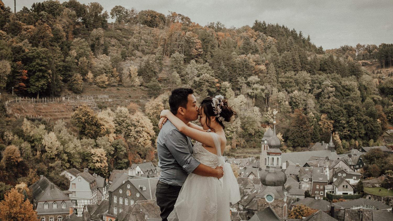 Hochzeitsfotos-Hochzeitslocation-Würzburg-Hochzeitsfotograf-Aachen-Köln-NRW-Bonn-Top-Hochzeitsfotografen-Reportage-Storytelling-Preise-Kevin Biberbach-KEVIN Fotografie-03-2.jpg