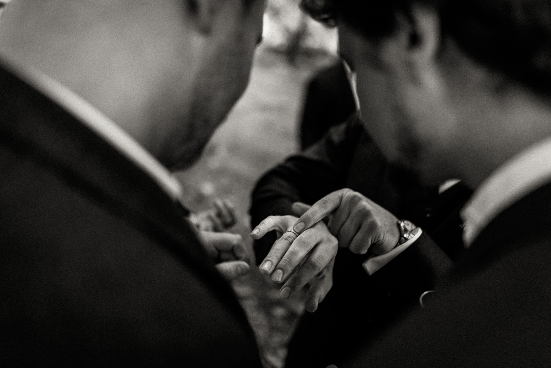 Hochzeitsreportage-NRW-Waldhochzeit-Lua Pauline-Aachen-Hochzeitsfotograf-freie Trauung-Köln-NRW-Bonn-Top-Hochzeitsfotografen-natürliche Bilder-Heiraten im Grünen-Kevin Biberbach-KEVIN Fotografie-078.jpg