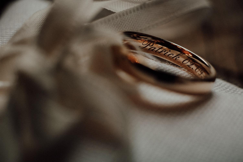 Hochzeitsfotos-Lech am Arlberg-Hochzeitsfotograf-Voralberg-Hochzeitslocation Villa Maund - Hochzeit Aachen Köln NRW Bonn -Hochzeitsfotograf Österreich-Gleichgeschlechtlich-Berghochzeit-Kevin Biberbach-025.jpg