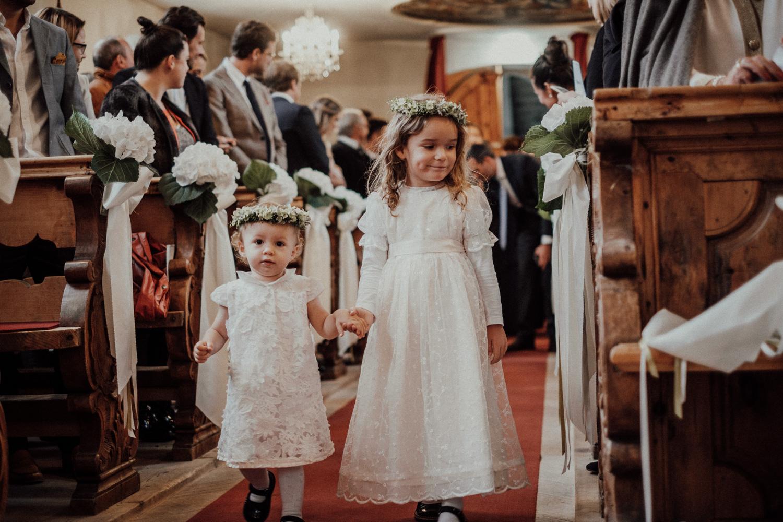 Hochzeitsfotos-Lech am Arlberg-Hochzeitsfotograf-Voralberg-Hochzeitslocation Villa Maund - Hochzeit Aachen Köln NRW Bonn -Hochzeitsfotograf Österreich-Gleichgeschlechtlich-Berghochzeit-Kevin Biberbach-059.jpg