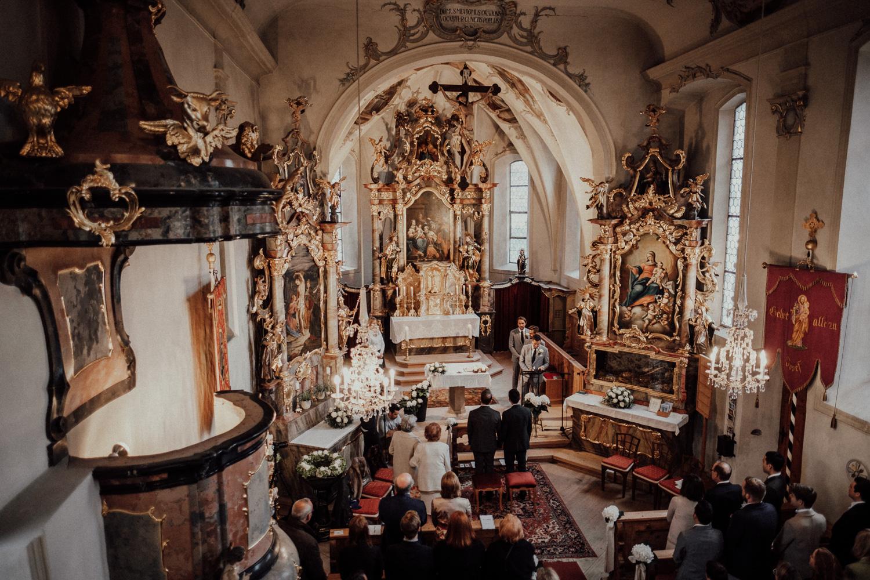 Hochzeitsfotos-Lech am Arlberg-Hochzeitsfotograf-Voralberg-Hochzeitslocation Villa Maund - Hochzeit Aachen Köln NRW Bonn -Hochzeitsfotograf Österreich-Gleichgeschlechtlich-Berghochzeit-Kevin Biberbach-111.jpg