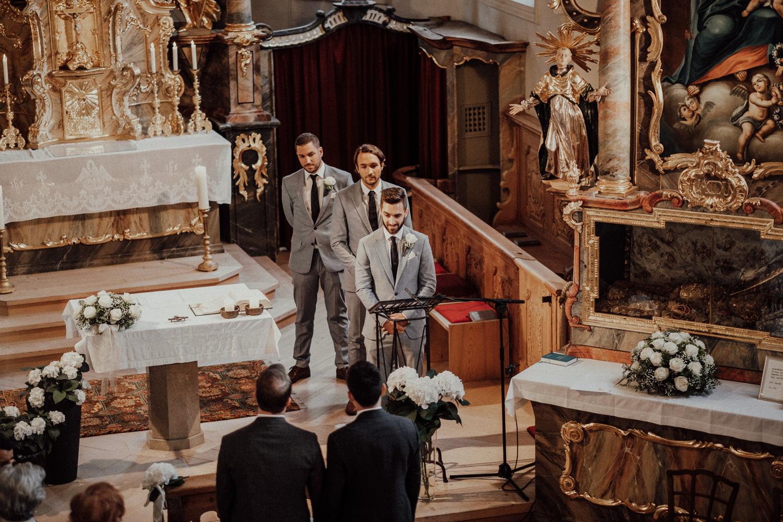 Hochzeitsfotos-Lech am Arlberg-Hochzeitsfotograf-Voralberg-Hochzeitslocation Villa Maund - Hochzeit Aachen Köln NRW Bonn -Hochzeitsfotograf Österreich-Gleichgeschlechtlich-Berghochzeit-Kevin Biberbach-112.jpg