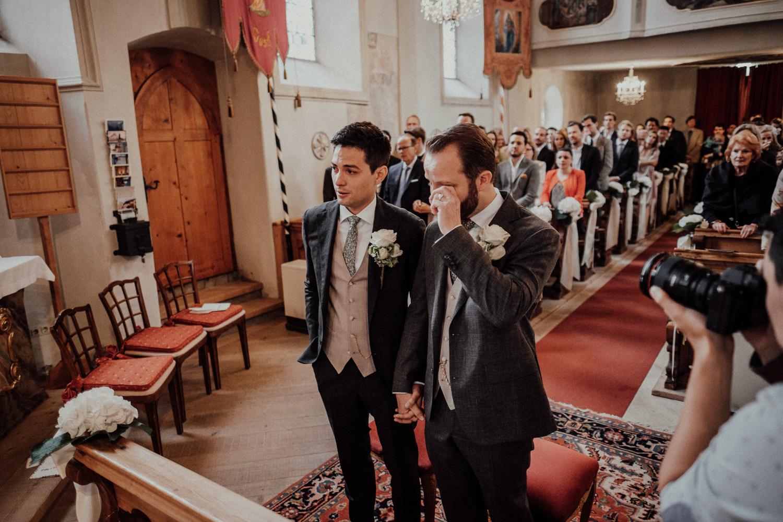 Hochzeitsfotos-Lech am Arlberg-Hochzeitsfotograf-Voralberg-Hochzeitslocation Villa Maund - Hochzeit Aachen Köln NRW Bonn -Hochzeitsfotograf Österreich-Gleichgeschlechtlich-Berghochzeit-Kevin Biberbach-121.jpg