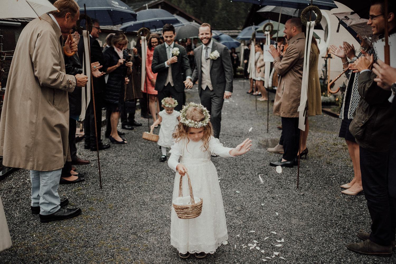 Hochzeitsfotos-Lech am Arlberg-Hochzeitsfotograf-Voralberg-Hochzeitslocation Villa Maund - Hochzeit Aachen Köln NRW Bonn -Hochzeitsfotograf Österreich-Gleichgeschlechtlich-Berghochzeit-Kevin Biberbach-146.jpg
