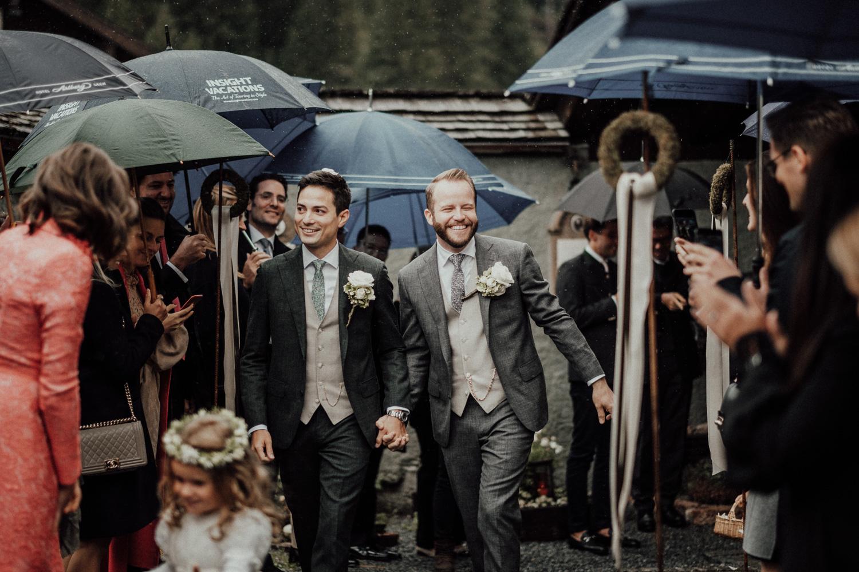 Hochzeitsfotos-Lech am Arlberg-Hochzeitsfotograf-Voralberg-Hochzeitslocation Villa Maund - Hochzeit Aachen Köln NRW Bonn -Hochzeitsfotograf Österreich-Gleichgeschlechtlich-Berghochzeit-Kevin Biberbach-142.jpg