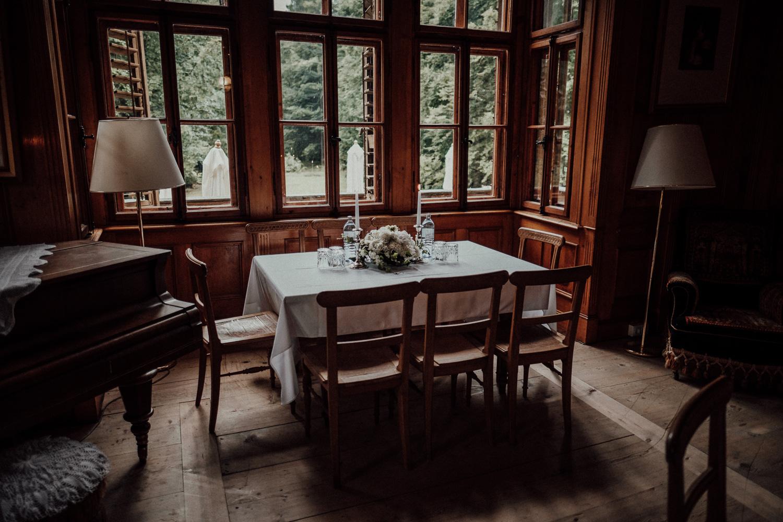 Hochzeitsfotos-Lech am Arlberg-Hochzeitsfotograf-Voralberg-Hochzeitslocation Villa Maund - Hochzeit Aachen Köln NRW Bonn -Hochzeitsfotograf Österreich-Gleichgeschlechtlich-Berghochzeit-Kevin Biberbach-160.jpg
