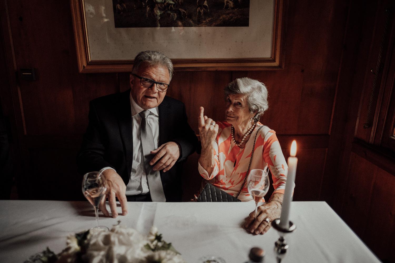 Hochzeitsfotos-Lech am Arlberg-Hochzeitsfotograf-Voralberg-Hochzeitslocation Villa Maund - Hochzeit Aachen Köln NRW Bonn -Hochzeitsfotograf Österreich-Gleichgeschlechtlich-Berghochzeit-Kevin Biberbach-184.jpg