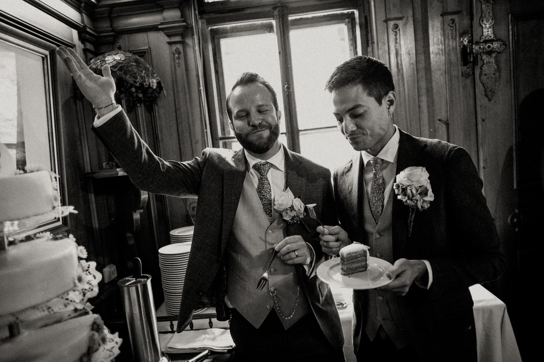 Hochzeitsfotos-Lech am Arlberg-Hochzeitsfotograf-Voralberg-Hochzeitslocation Villa Maund - Hochzeit Aachen Köln NRW Bonn -Hochzeitsfotograf Österreich-Gleichgeschlechtlich-Berghochzeit-Kevin Biberbach-202.jpg