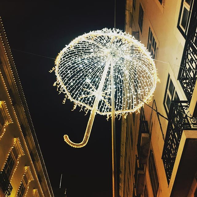 Iconic Lisbon. Lightning up creativity. #lisbonbylight #lightshow #creativewalks