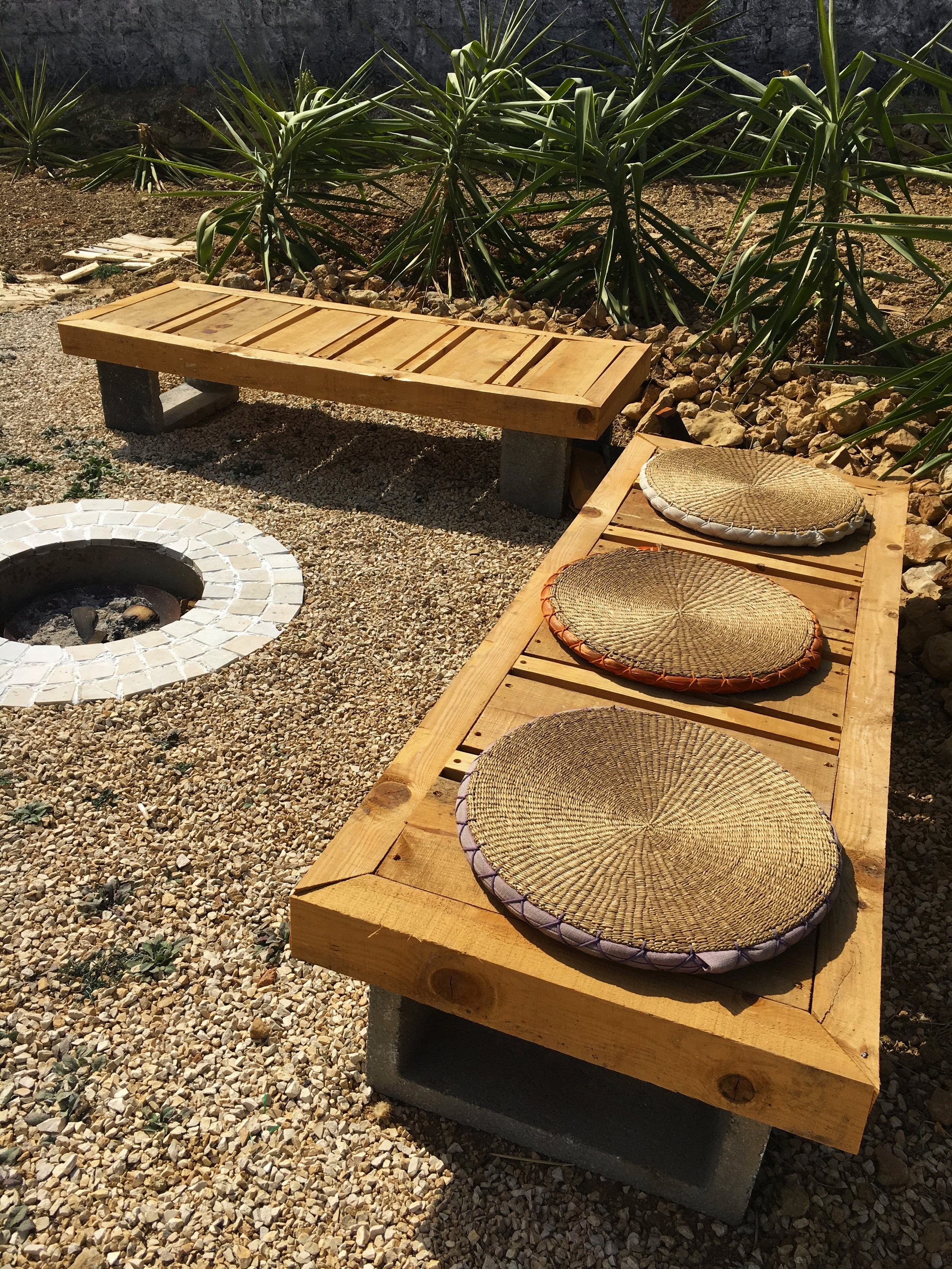Art-cafe-benches.jpg