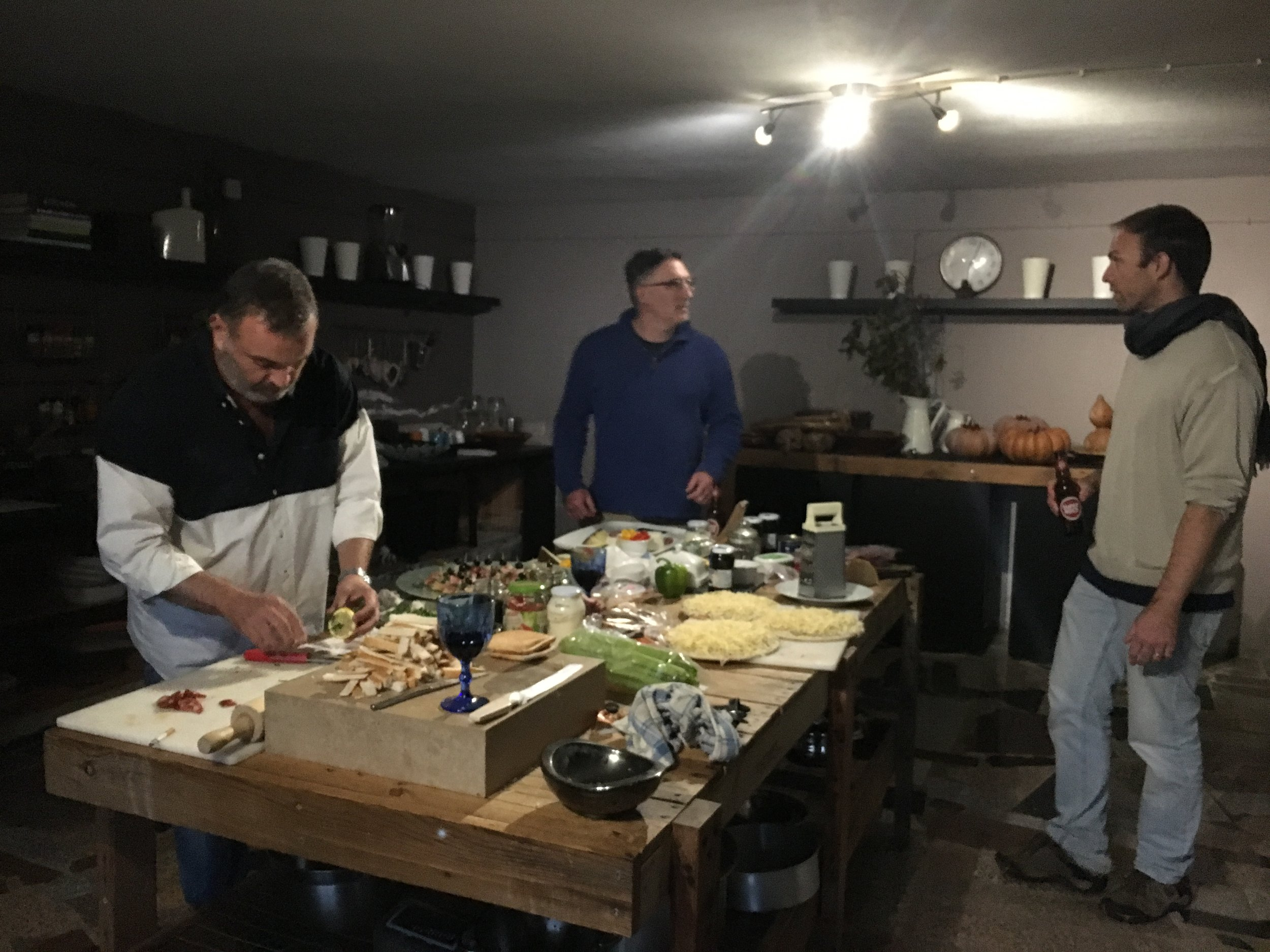 Art-cafe-art-studio-workshop-kitchen.jpg