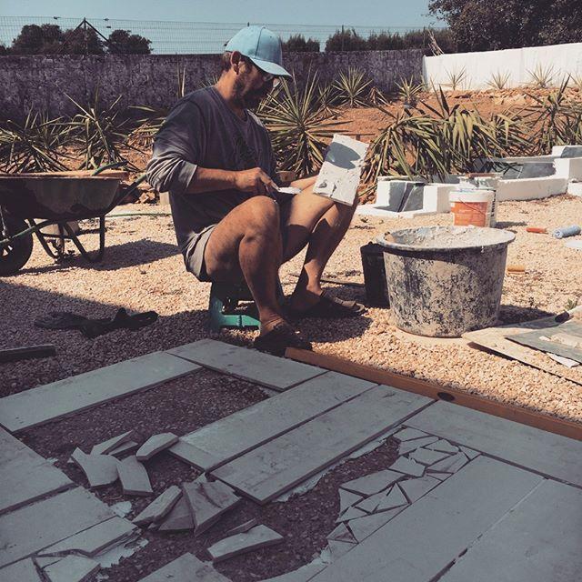 Hard at work landscaping our crazy veggie garden. #diy #artistatwork #art #myart #myartwork #coolart #funart #makearteveryday #artsy #artlife #practice #wip #workinprogress #experimentalart #realism #artcafe #goinggreen #recycle #landscapedesign #naturalpalettes