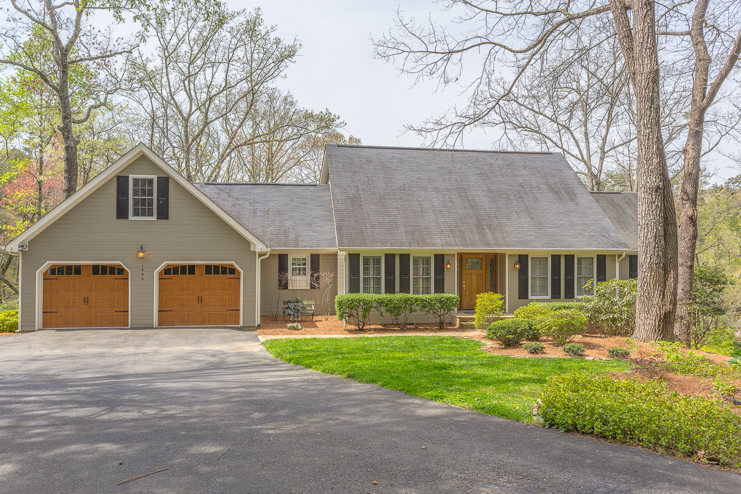 1999 Avalon Ave- Under Contract in 1 Day in North Chattanooga