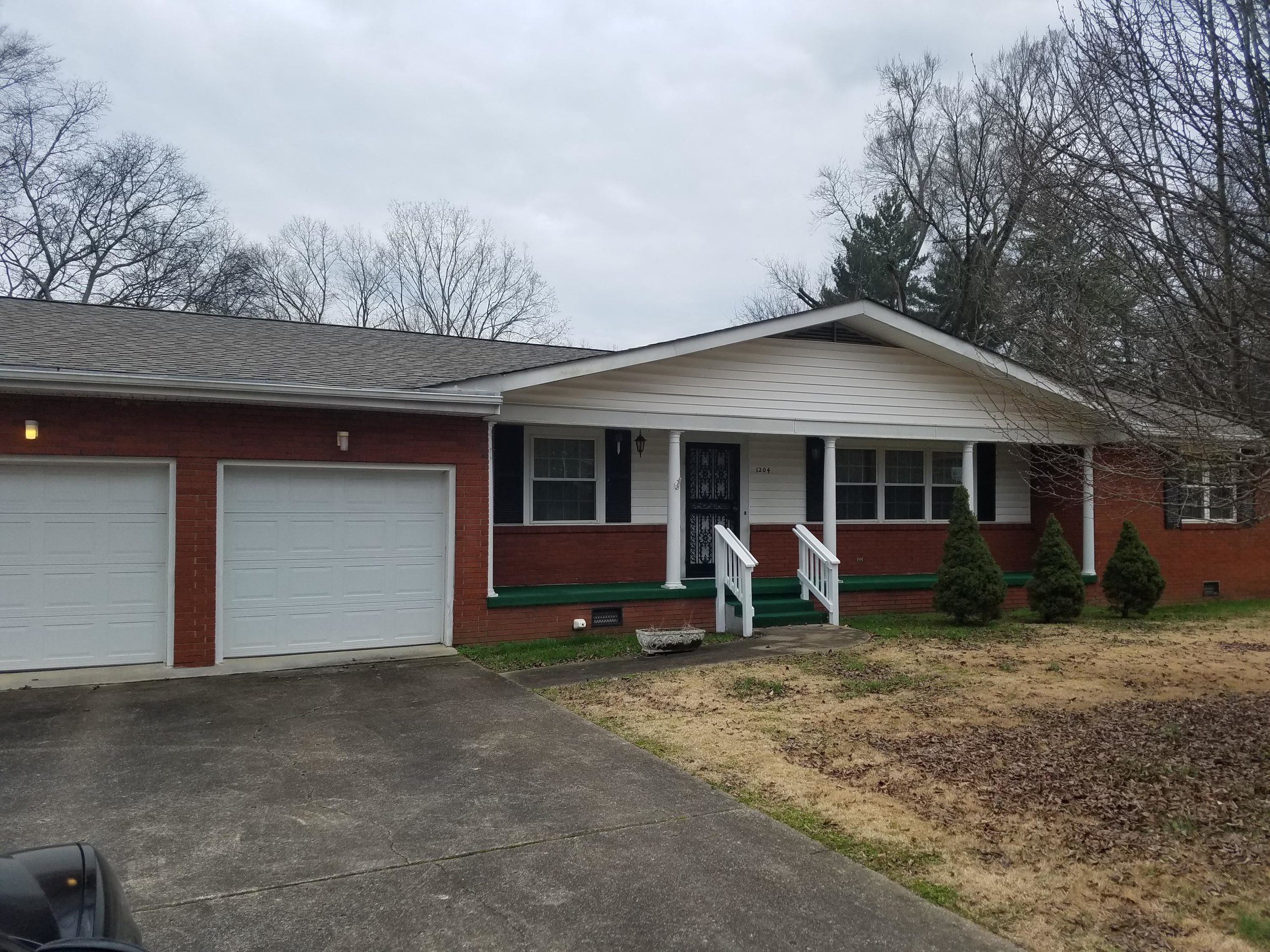 SOLD in 3 DAYS!! 1204 Shallowford Rd. Sold for $118,500